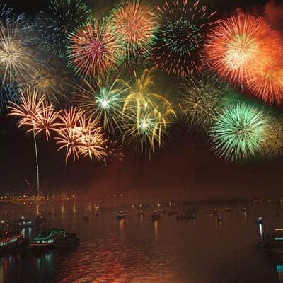 Fireworks-on-Tampa-Bay-Fun-Boat